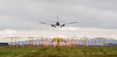 UNDERHUNDRELAPPEN:Flere flyselskaper har kampanjer hvor du kan få kjøpt billetter for under en hundrelapp.