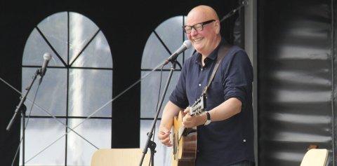 Frode Alnæs: Gitarist Frode Alnæs gjester Nesodden sammen med Per Mathisen (bass) og Rune Arnesen (trommer) i november.
