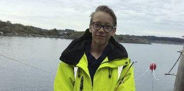 Flittig FISKAR: Emil André Myksvoll er ein flittig fiskar, mellom anna med sjølvlaga krabbeteiner.ALLE FOTO: Privat
