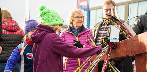 POPULÆRT TILTAK: Denne helgen kan du sikre det skiutstyr for en billig penge, når FSK arrangerer byttehelg i samarbeid med Sparebank 1. Foto: Saparebank 1