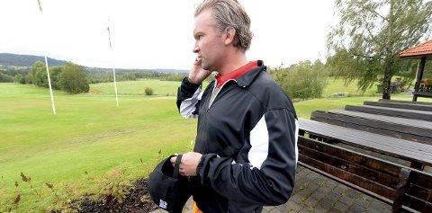 SMÅSTRESSET: Peter Johansson, daglig leder på Kongsberg golfbane, ser fram til fredagens turnering med Suzann Pettersen. – Været blir bra, beroliger svensken.foto: ole john hostvedt