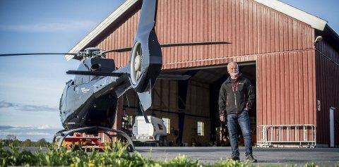TIL NABOENE: Daglig leder Ole-Petter Berger i Nor Aviation har invitert naboene rundt hangaren på Holstad til informasjonskveld og demonstrasjon onsdag kveld. FOTO: DANIEL GAUSLAA