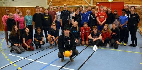 Kanonball med Tingvoll Vidaregåande, her er alle spillerne samlet på ett brett.