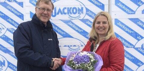 Ny jobb: Hege Buer har begynt i jobben som finansdirektør i Jackon. Her sammen med direktør Stein Trygsland.foto: jackon