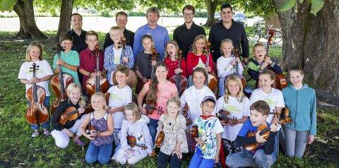 Høsttilbud: Disse er med på årets sommerorkester. Utover høsten setter skolen opp lørdagsorkester som også er åpent for alle.