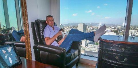 Hjem til jul: Utsikten fra downtown LA går han glipp av nå, for Richard Fossaas reiser hjem til Norge for å lade batteriene.