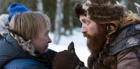 Tungt:«Birkebeinerne»-regissør Nils Gaup instruerer Kristoffer Hivju under innspillingen i Sjusjøen, som sistnevnte kaller sin «mest fysiske innspilling noensinne». Foto: Ian Brodie, Paradox Film