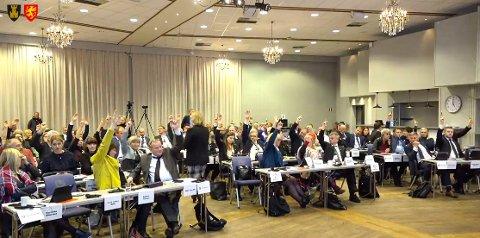 BEKYMRET FOR STYRINGSFORMEN: - Den største faren for ikke å klare å reversere tvangsammenslåinga, er at folk ikke får være med på de løpende diskusjonene. Alarmklokkene bør ringe for de som ønsker å bevare fylkene Troms og Finnmark, skriver Frode Bygdnes i Rødt.