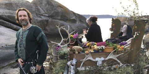 På settet: Kim Hjardar er historisk ansvarlig for den store vikingsatsingen The Viking Senter som åpner i Oslo i juni.alle foto: Are Pedersen og Kulturmeglerne