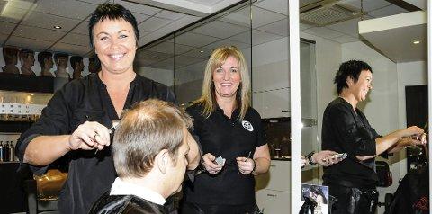 RADARPAR: Daglig leder ved Tango Bøsenteret, Marianne Løhr (t.v.) og frisørsalongeier Ruth Astrid Myhra er fortsatt gode venninner, både på jobb og privat, etter over 20 år sammen i virksomheten. FOTO: INGEBJØRG BØ