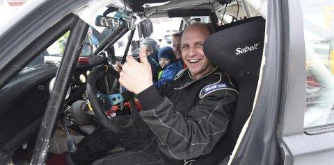 GLAD GUTT: Atle Redalen og kartleser Rune Eriksen kunne smile bredt etter lørdagens Numedalsrally.