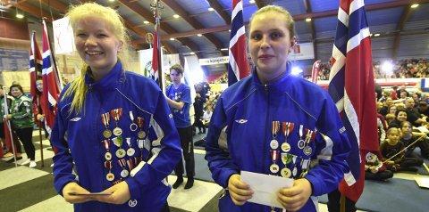 13, GANG: Emilie Grønneflåta Grimstveit (t.v.) og Vilde Røisgård Røisland var med på sin siste Gymnastikkfestival.