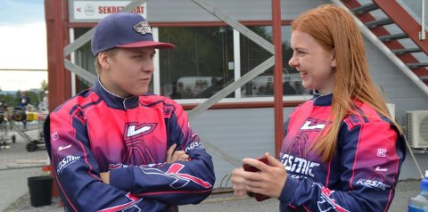 PÅ PALLEN: Jonas Bakkerud Helgevold vant og Guro Majormoen tok sølvet i landsfinalen i gokart.
