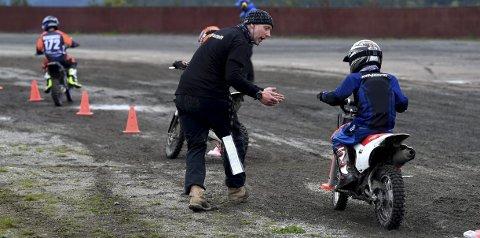 ENGASJERT: Øystein Kjørstad var en av verdens beste FMX-utøvere og en god crosskjører. Nå arrangerer han crosskurs.ALLE FOTO: OLE JOHN HOSTVEDT