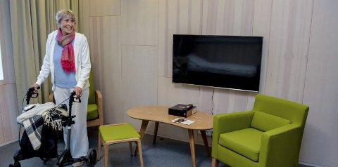BLANDEDE FØLELSER: Liv Kaarbø synes det er både rart og fint å flytte fra Frogner til nye Fosshagen sykehjem. Se flere bilder fra flytteprosessen på lierposten.no bilder: Benedikte håkonsen