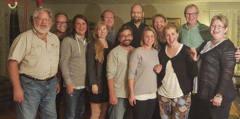 Valgkameratene: Her er representantene fra Ap, SV, Venstre, Sp og MDG som ble enige om å samarbeide. Foto: Privat