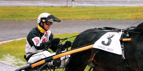 VANT: Tor Wollebæk kusket Lannem Silje ytil seier på Solvalla.