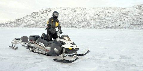 LETTERE: Utkastet til en ny forskrift for bruk av motorkjøretøy i utmarka vil gjøre det lettere å bruke snøscooter på store islagte vann, som blant annet Kjensvatnet. Nå inviteres menigmann til å si sitt om reglene. Foto: Arne Forbord