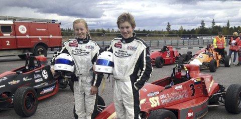 Finaleklar: Theodor Olsen er en av fem deltaker i «Bilsporttalentet 2016». Her sammen med lillesøster Thea.