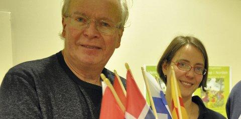 Samarbeid: Foreningen Norden ved Kolbjørn Kværum og biblioteket ved Astrid Bonilla samarbeider om skumringstimen.