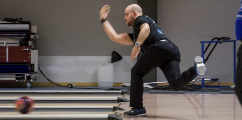 Glenn Morten Pedersen leverte godkjent spill, men måtte tåle at Ringerike bowlingklubb tapte i Bergen.