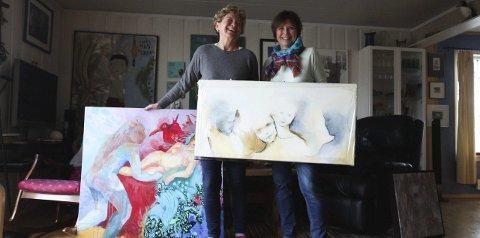 Samstemte: Kunstnerne Vanja Madsen (t.h.) og Ellen Gilhuus stiller ut toner og tekst – i form av bilder. Foto: Lena Malnes
