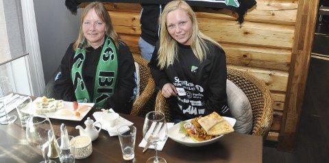 Hyggelig møte: Eli Michaelsen vant en middag med HBKs Silje Nyhagen for å ha solgt sesongkort.