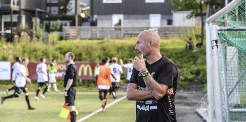 Frode Lafton fikk en kjempestart som HBK-trener i Trondheim. Nardo ble slått 3–0.