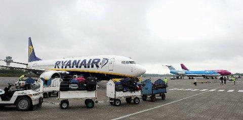 FØLGES OPP: Ledelsen ved Torp har bedt Ryanair om informasjon om alle passasjerene som var om bord i flyet som kom fra Italia søndag.