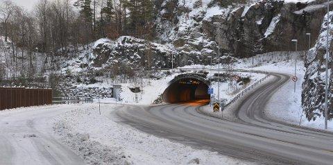 KNIV: Det var i dette området i Kalstadkilen at en mann ble funnet fredag morgen.