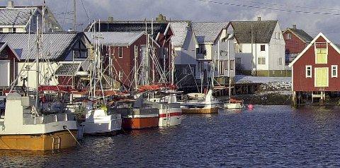 Innbyggerne på Veiholmen krever at begge havnene skal være underlagt staten.