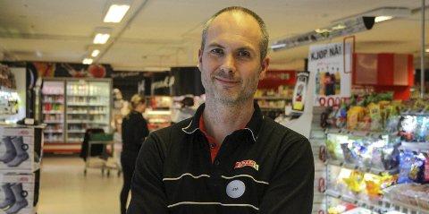 Arne Alver, butikksjef på SPAR Seimstrand.