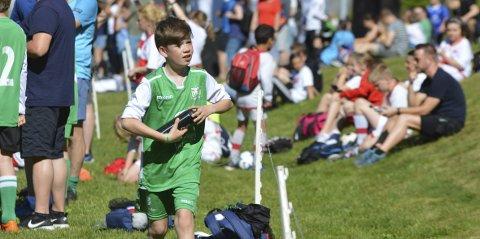 12 år gamle Tobias Lygren-Larsen har vært ute med skade hele sesongen, men spilte sin første kamp for året på fredag. Lørdag kom også sesongens første scoring og seier for 12-åringen.