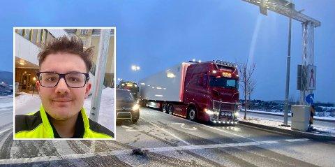 BIL: Det ble mange timer i bilen for Dominik (16) og pappa Mitheil.