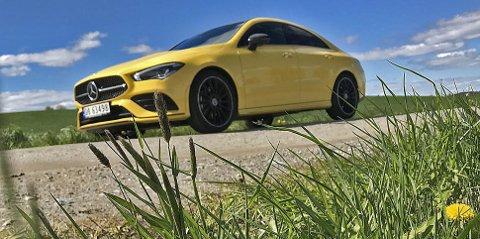 Med så mange modeller som Mercedes nå har i porteføljen sin, har de også råd til å leke seg litt. Det gjør de med CLA.