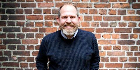 PÅ TV I KVELD: Truls Svendsen snakker om det å snart bli pappa på «Lindmo» på NRK fredag klokken 21.25.