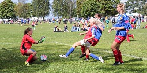 Kapps jenter 13-lag, her ved Ingerid Johansen Haugen, var med i Norway Cup i fjor. I år stiller laget i 14-årsklassen. To av Kapps innledende kamper mot Gjøa og Blindheim kan du se direkte på OA-TV.