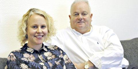 OPPFORDRER: Erika Indergaard og Øivind Hoem i Kvernberget vekst vil styrke lojaliteten til flyplassen med en holdningskampanje.