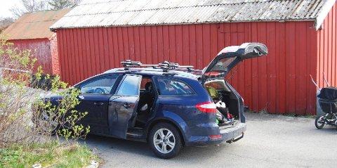 Denne Ford Mondeo stasjonsvognen ble stjålet på Averøy. Bilen kom til rette, og den mistenkte tyven må nå møte i retten.