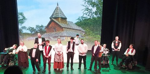 INKLUDERENDE: Det Grenseløse Teateret får skryt fra kulturprisjuryen for å gi alle skuespillerne viktige roller. Her fra en oppsetning av Peer Gynt i 2020.