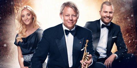 JULEKONSERT: Når Ole Edvard Antonsen kommer til Storstuggu, har han med seg gjestesolistene Stine Hole Ulla og Knut Marius Djupvik.