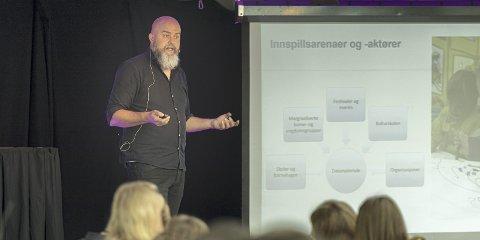 Innledere: Matias Hilmar Iversen fra Kulturtanken fortalte om sine innsamlinger og høringssvar fra barn.