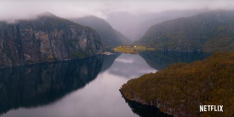 Allereie i opningsscenene i den nye traileren til «The Innocents» visast kjent natur frå Modalen.