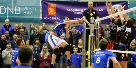 Den hardtslående Øksnes-spilleren Erlend Isaksen er sentral på elitelaget til BK Tromsø. Nå går han glipp av cupfinalen og viktige kamper i serien og sannsynligvis også sluttspillet i Nordic League. (Foto: Eivind Rinde)