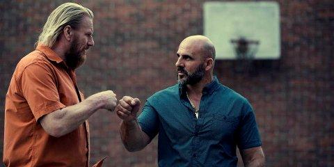 Rune Temte (t.v.) i «Gjengangere», Leon Bashirs nye film som sies å være den første ekte, norske fengselsfilmen.