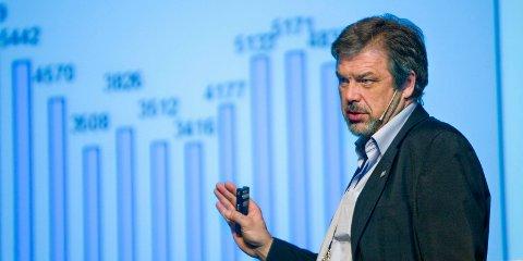 Potitive tall. Fylkesdirektør i NAV, Sverre Jespersen, mener at arbeidsmarkedet i Østfold er godt.