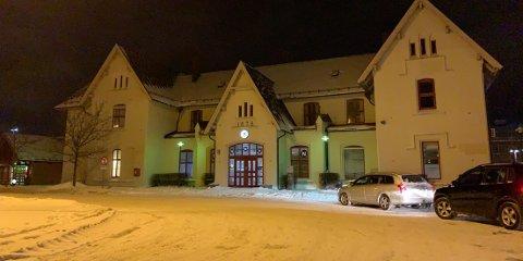 Kiosken på togstasjonen ble ranet onsdag kveld.