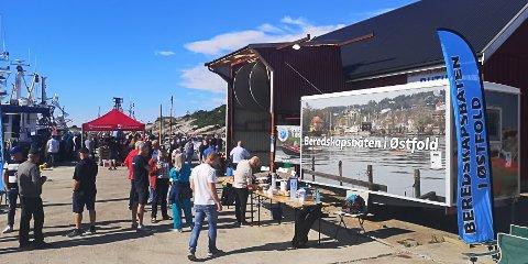 Det var en viktig dag for Beredskapsbåten i Østfold, og de fikk alle inntekter fra loddsalget på Fiskeriets Dag i Utgårdskilen. Snille givere stilte opp med premier.