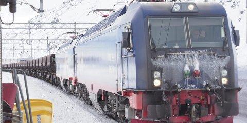 TUNGVEKTER: I flere år betalte LKAB for mye i kjøreveisavgift til Jernbaneverket. En intern glipp har ført til at en tilbakebetaling på 22 millioner glipper.