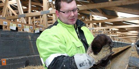 Bjørn Kjetil Frafjord har slått seg opp på pelsdyr. Nå arrangerer han åpen dag på farmen, i samarbeid med Norges pelsdyralslag.